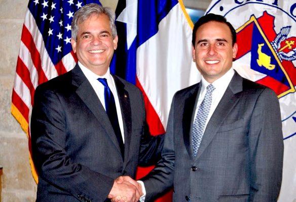 Fortalece lazos Manolo Jiménez con Austin, Texas