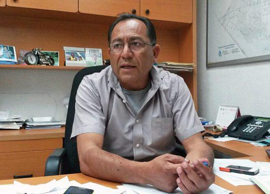 Raymundo Rodríguez solicitará a Vialidad coloque señales de precaución en el colector caído.
