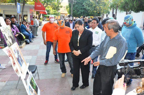 María Luisa inaugura 7ª Exposición Fotográfica de la Asociación Deportiva de Lerdo