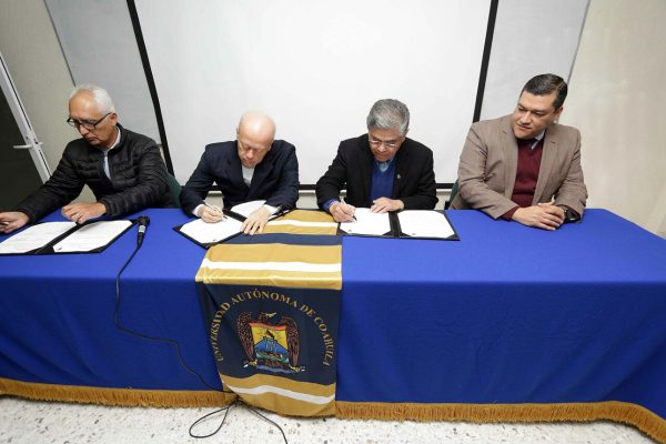 Firma UA de C convenio internacional con la Universidad del Valle de Cali, Colombia