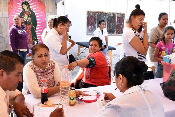 Brigadas de salud atienden 25 personas con enfermedades respiratorias