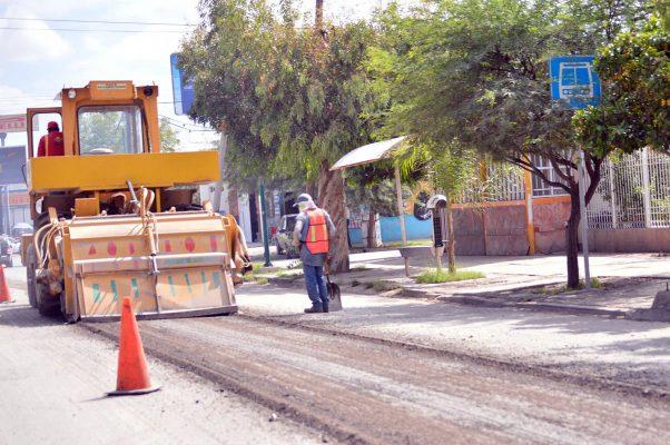 Falta avanzar en pavimento y drenaje, reconoce alcalde