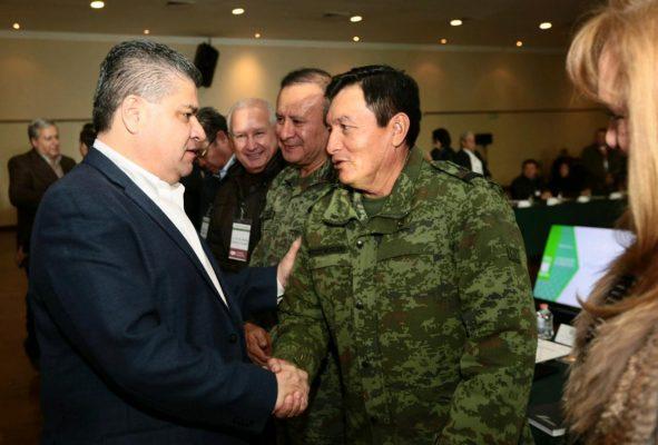 El gobernador MARS con el general Francisco Ortega Luna, comandante de la Sexta Zona Militar.