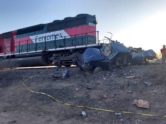 Mueren arrollados por el tren en el cruce de la Flor de Jimulco