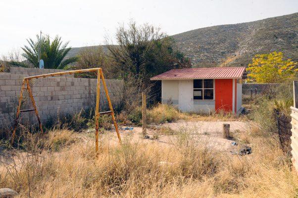 Vecinos del ejido Francisco Villa exigen la reactivación del kinder, en virtud de que desde hace dos años despareció por la falta de maestros.