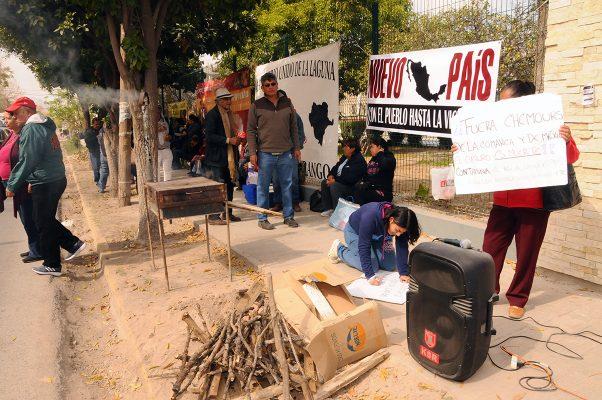 Integrantes de la Asamblea Nacional de Resistencia se manifestaron en SAGARPA