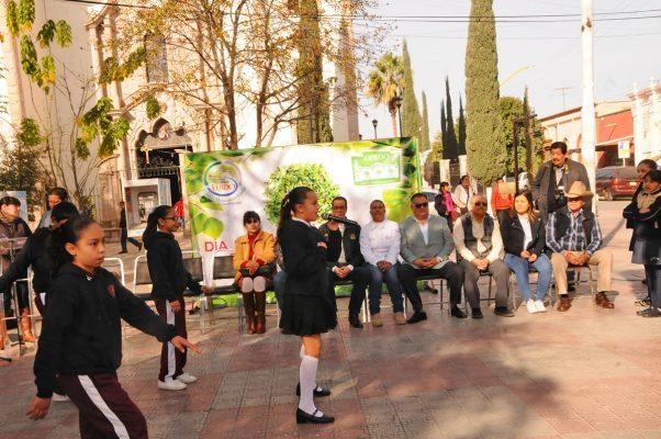 Abel Ramos, titular de Medio Ambiente, encabezó el evento por el Día Mundial de la Educación Ambiental, en donde destacó la importancia de concientizar a la sociedad para los cuidados de las áreas verdes.