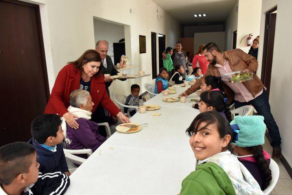 Autoridades supervisaron del servicio gratuito de comedor en la colonia San Isidro