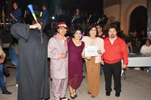Todo un ambiente familiar se vivió en el festival del Día del Amor y la Amistad que organizó y ofreció el Ayuntamiento de Lerdo.