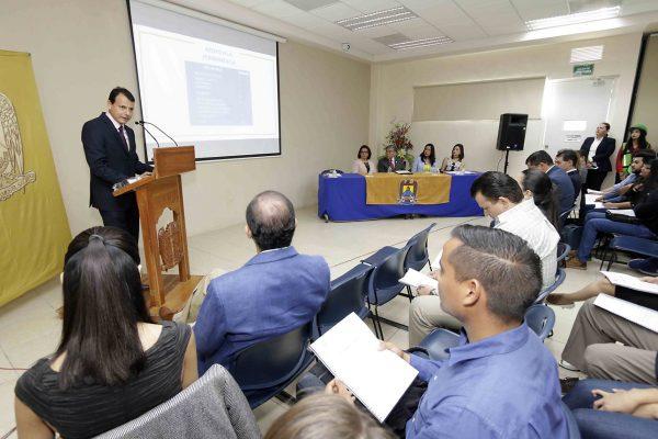 Rinde informe director de Facultad de Economía de la UA de C