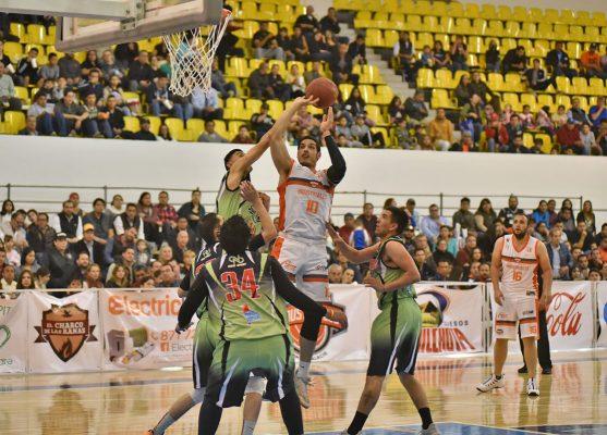 Andrés Moyetón también tuvo un juego regular, contribuyó con 18 unidades a favor de Industriales.