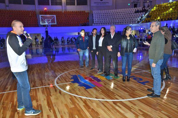 El presidente del equipo, el Dr. Axdruval Ávila agradeció el apoyo brindado al equipo del deporte ráfaga que apenas esta noche conoció su primera victoria.