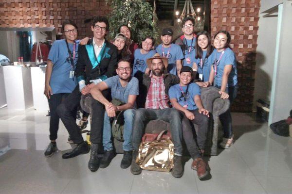 Parte del equipo de Lucas está llevando a cabo la grabación de un documental llamado 'En Torreón Chido'.