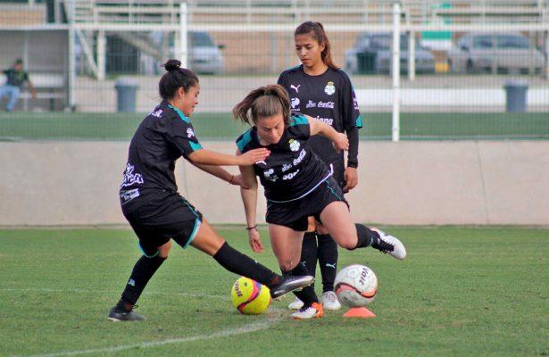 Santos Femenil afina detalles para su visita a Monterrey.