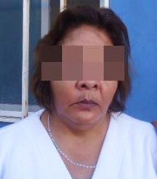 María, de 54 años de edad fue arrestada por sustraer artículos diversos de una tienda de conveniencia sin haberlos pagado.