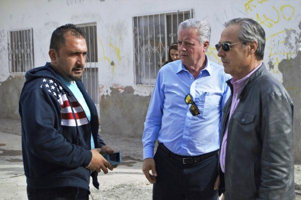 Vecinos de la colonia El Pacífico dialogaron ayer con el alcalde Jorge Zermeño.