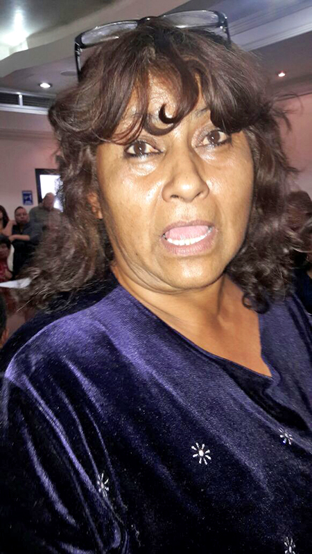 Rosario Adame, de la colonia División del Norte, denuncia aguas negras y verdes por fugas que tienen hasta 3 meses.