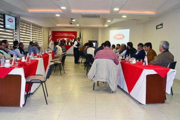 En la Cámara Mexicana de la Industria de la Construcción solicita arranquen ya las obras públicas.
