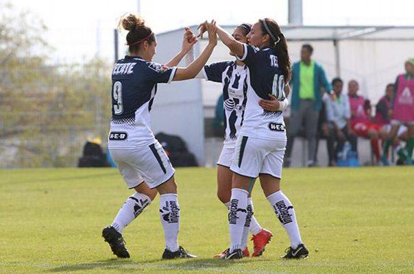 La gomezpalatina Desiree Monsiváis anotó el segundo tanto de Rayadas.