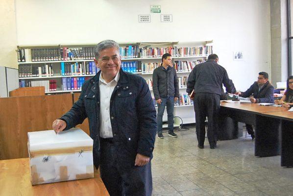 La UA de C vota para elegir a su rector