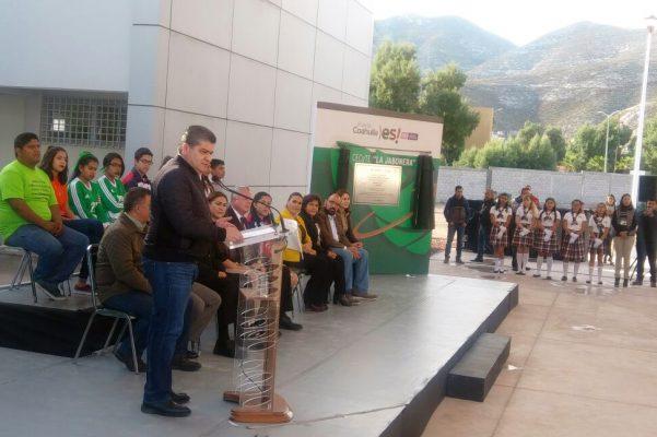 """A una población de 242 estudiantes benefician las nuevas instalaciones del CECyTE """"La Jabonera"""" inauguradas este viernes por el gobernador Miguel Ángel Riquelme."""