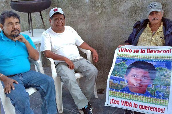 Padres de los desaparecidos de Ayotzinapa en Monclova