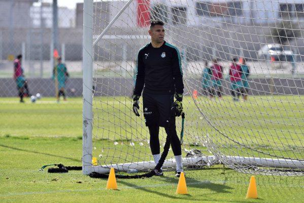 El portero santista le ha dejado su lugar a Carlos Acevedo en la Copa MX.