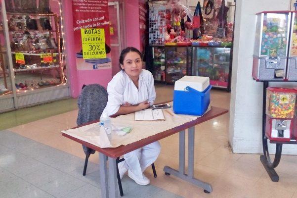Instalan módulos de vacunación contra polio e influenza