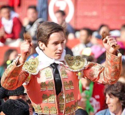 Arturo Gilio Quintero se presentará como novillero en la plaza de toros Alberto Balderas.