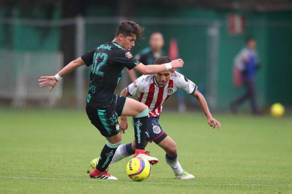 Jordan Carrillo, delantero sinaloense de Santos.
