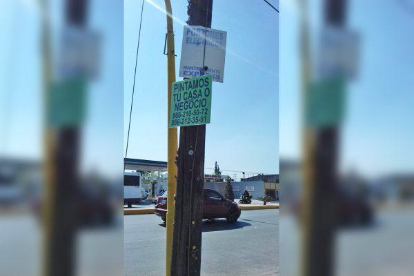 Sancionarán quienes se anuncien en postes de Frontera