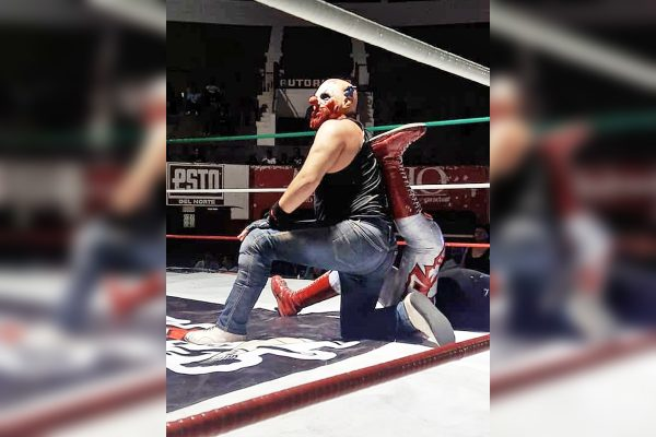 Sigue la lucha libre en la plaza de toros Torreón