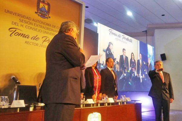 Asume Hernández Vélez la rectoría del UA de C