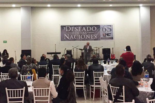 Ministros evangélicos se reúnen en Frontera