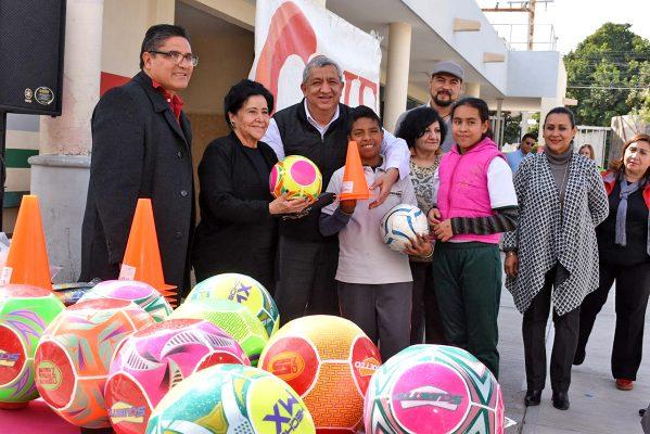 A través del deporte se puede llevar una vida sana, destacó en su mensaje la señora Vilma Ale de Herrera a jóvenes del PAMAR.