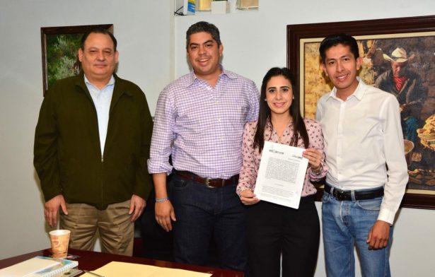 Firman convenio ayuntamiento de Monclova y DIF Coahuila