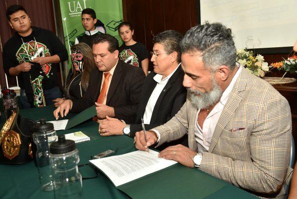 La UAL y Rey Wagner firman contrato para fomentar el deporte