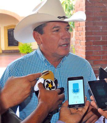 Regidores panistas exigen que se finquen responsabilidad a Carlos Aguilera por generar una deuda de 140 millones al Ayuntamiento de Lerdo.
