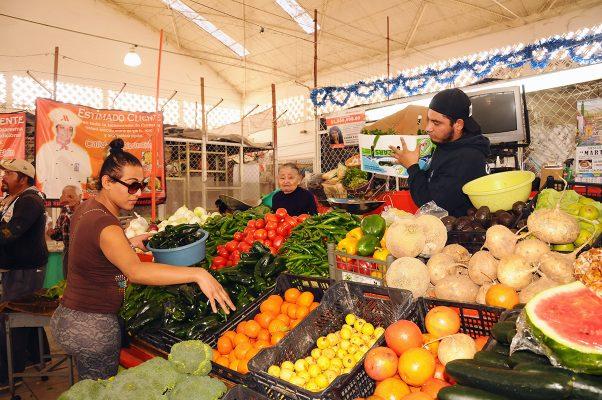 Debido al alza de los precios en casi la totalidad de los productos alimenticios ha ocasionado que la gente compre menos cantidad para registrarse un desplome del 40% en las ventas.