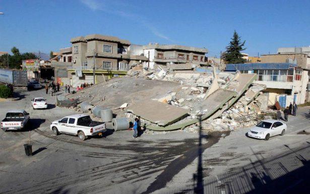 Ya suman 530 muertos por terremoto en frontera de Irán