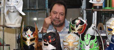 Arturo Bucio, mascarero de héroes
