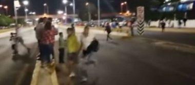Un policía herido deja trifulca entre aficionados afuera del estadio del Celaya