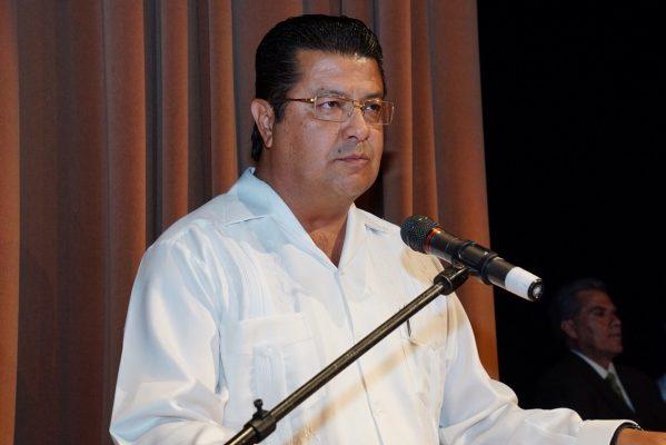 Reta alcalde: intereses políticos mezquinos no lo van a detener