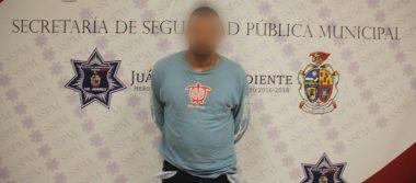 Vendedor de heroína detenido por policías; escondía 50 dosis