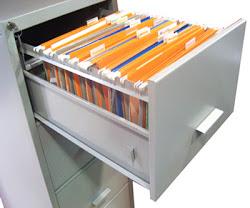 Ilegal la retención de documentos en escuelas