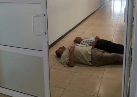 #EnVideo   Detienen a El Puma por acostarse en Fiscalía