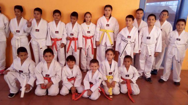 Gana Ahumada torneo estatal de artes marciales