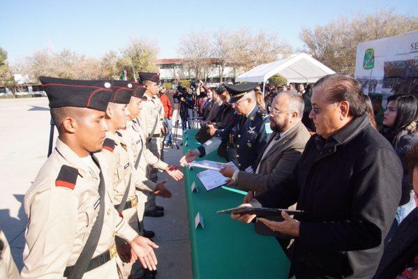 Entregan cartillas de Servicio Militar Nacional