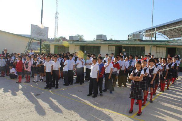 Regresan a clases 290 mil alumnos el lunes