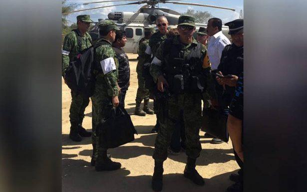 Navarrete y Murat atienden a familiares de víctimas por desplome de helicóptero